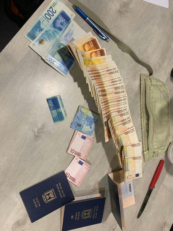 הנוסע עם הכסף שהוחזר