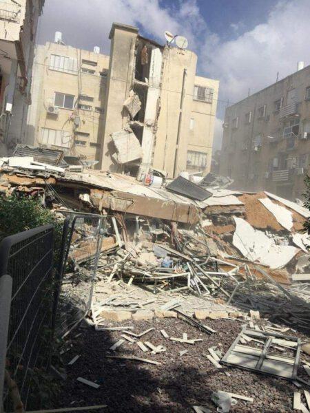 תיעוד: בניין קרס שעות אחרי שפונה מדיירים